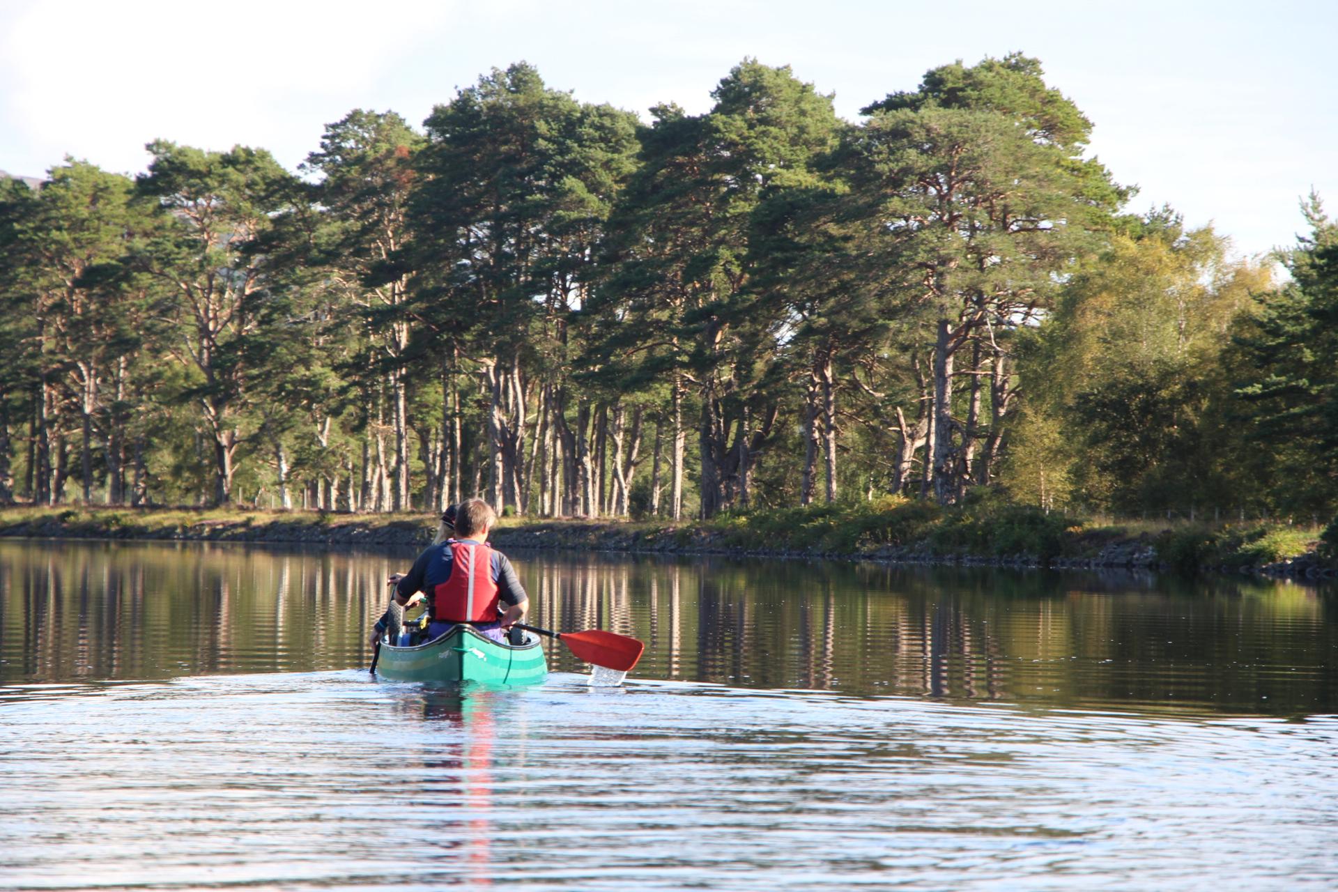 Canoe-scotlands-great-glen-easter-adventure