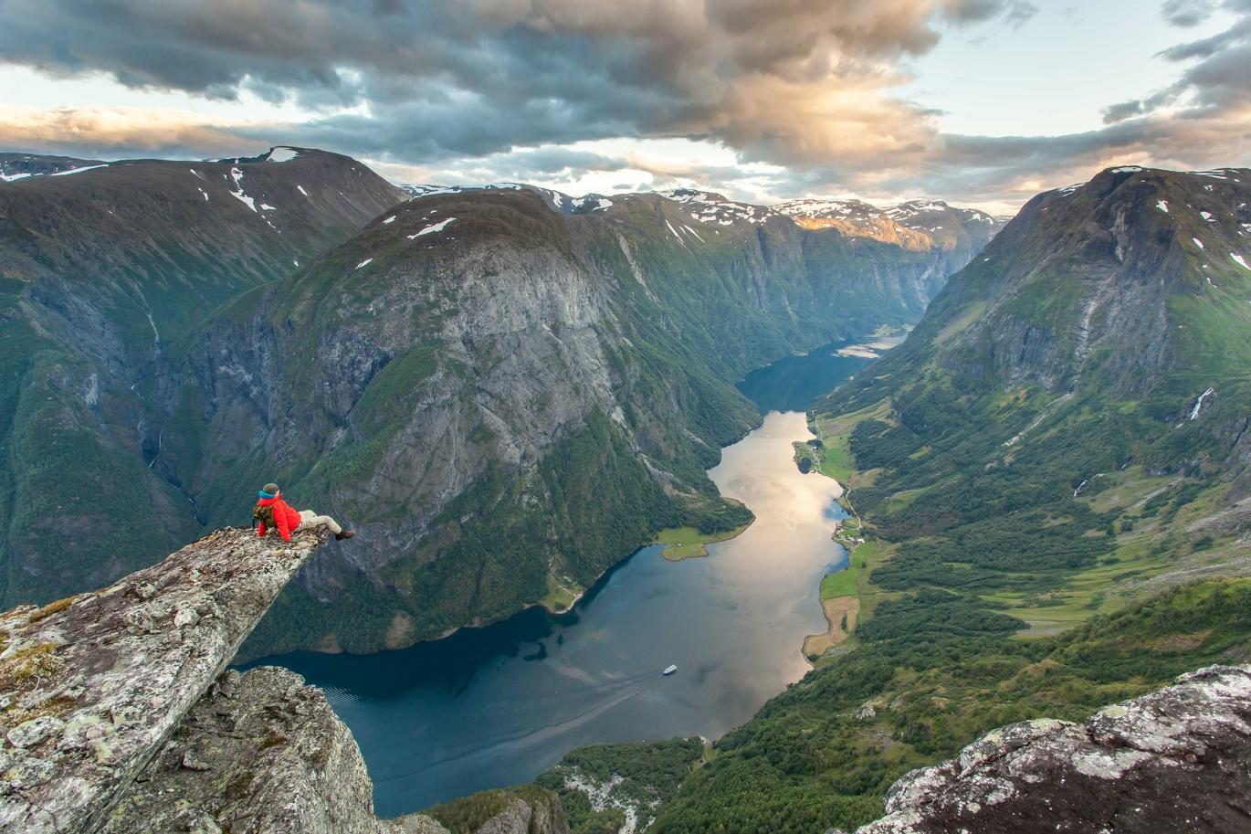 hiking norway adventure tours