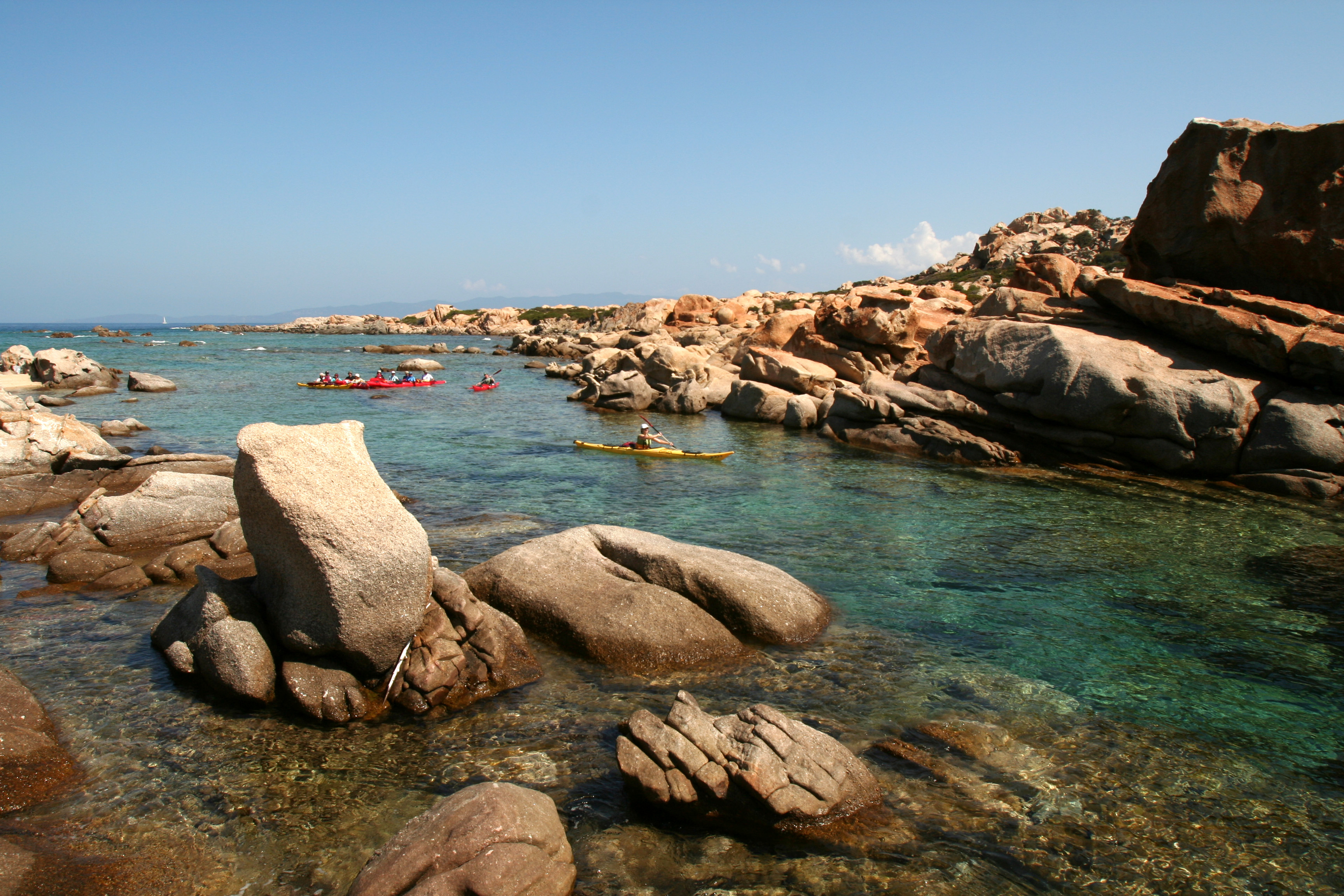 kayak-the-hidden-coves-of-corsica