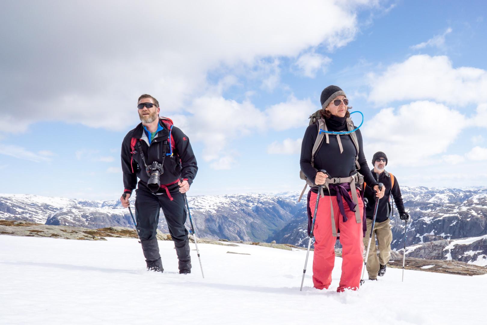 kjerag-boulder-norway-winter-easter-adventure