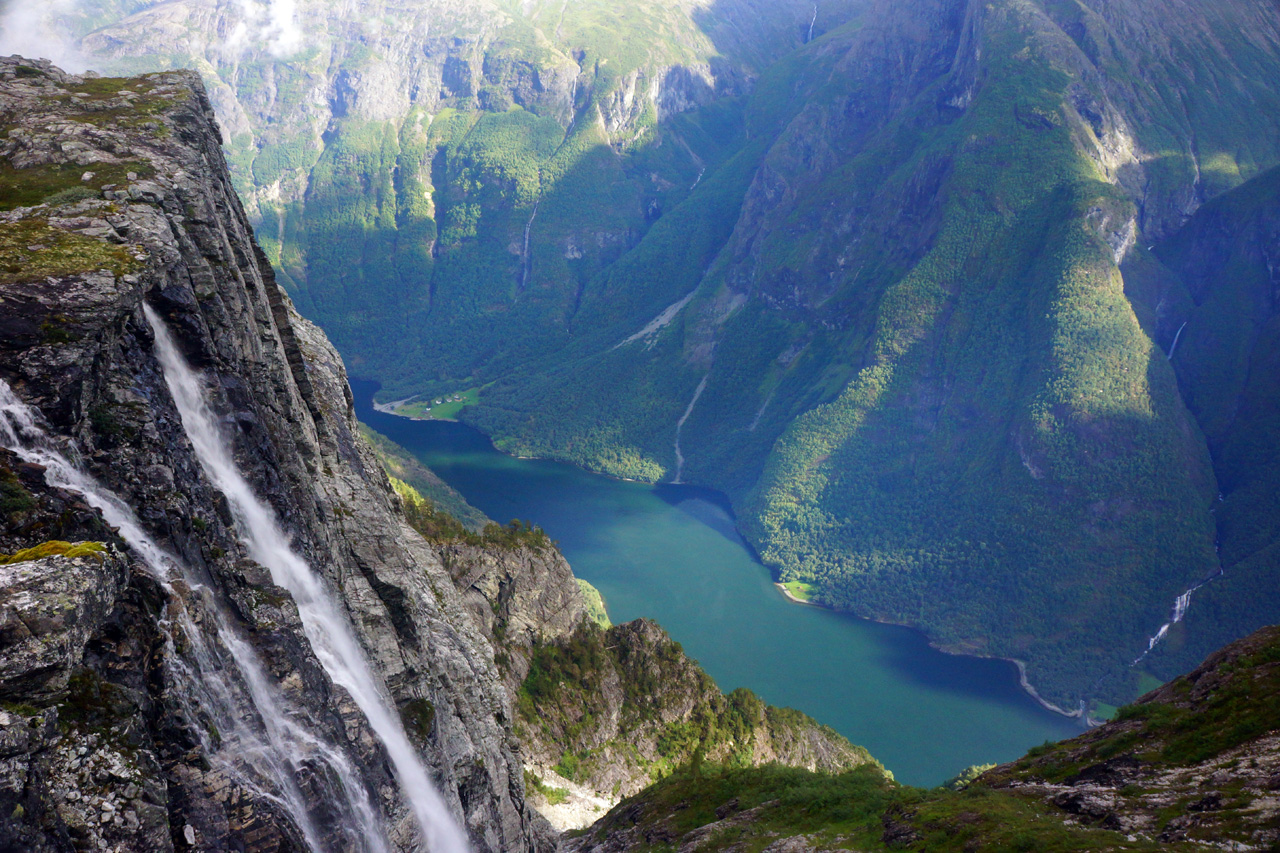 hike-norwegian-fjords-may-bank-holiday-adventure